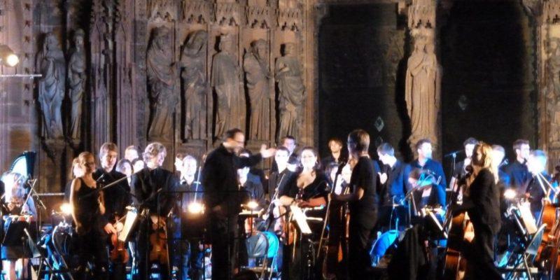 Illumination-cathédrale_2011-1400x600